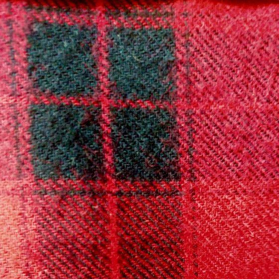 Tela de franela de algodón de cuadros rojos y negros tipo Buffalo Plaid.